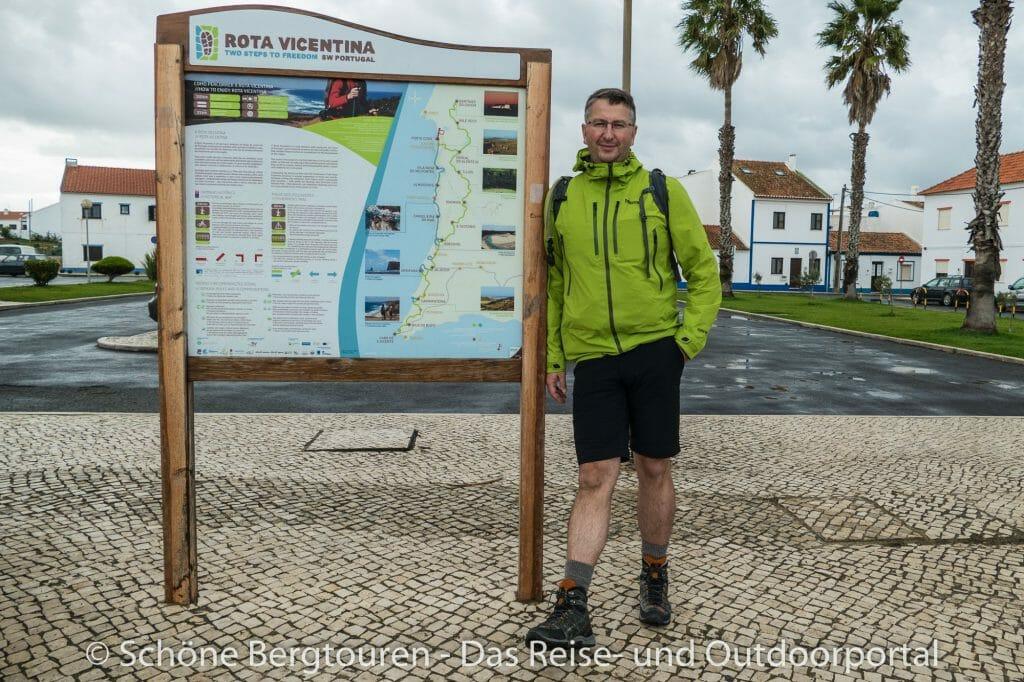 Rota Vicentina - Übersichtstafel in Porto Covo