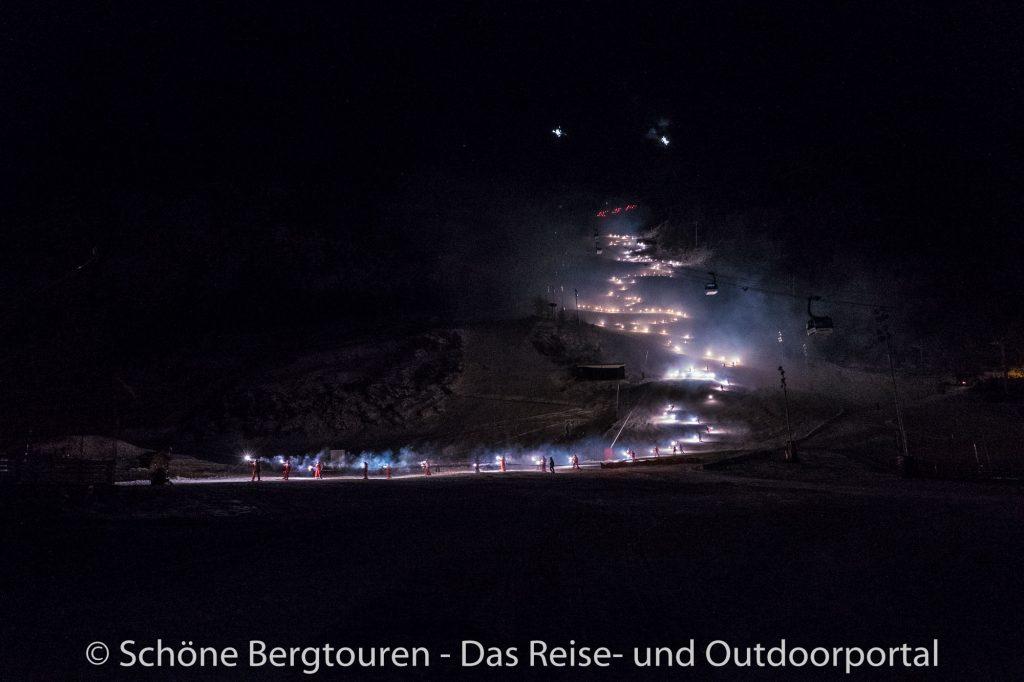 Val d Isere - Fackelabfahrt der ESF