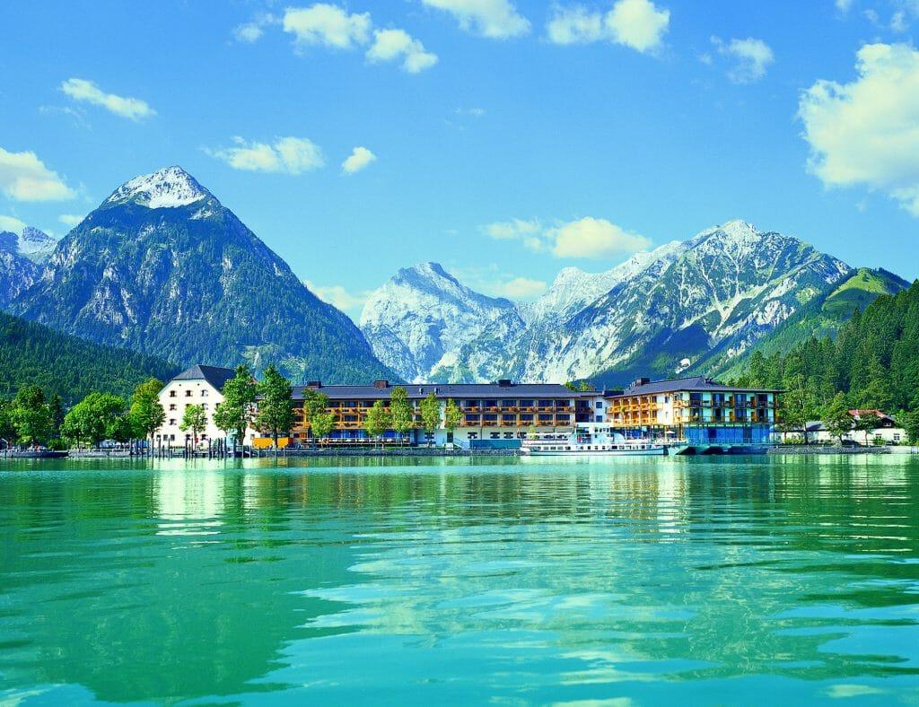 Travel Charme Fuerstenhaus Am Achensee - Hotel im Sommer