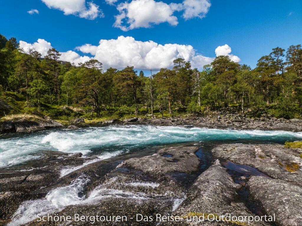 Fjord Norwegen - Fluss Kinso im Husedalen