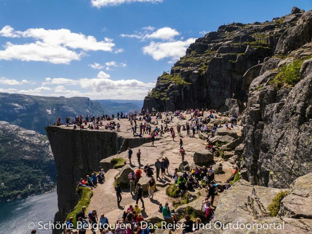 Fjord Norwegen - Öffentlicher Picknickplatz