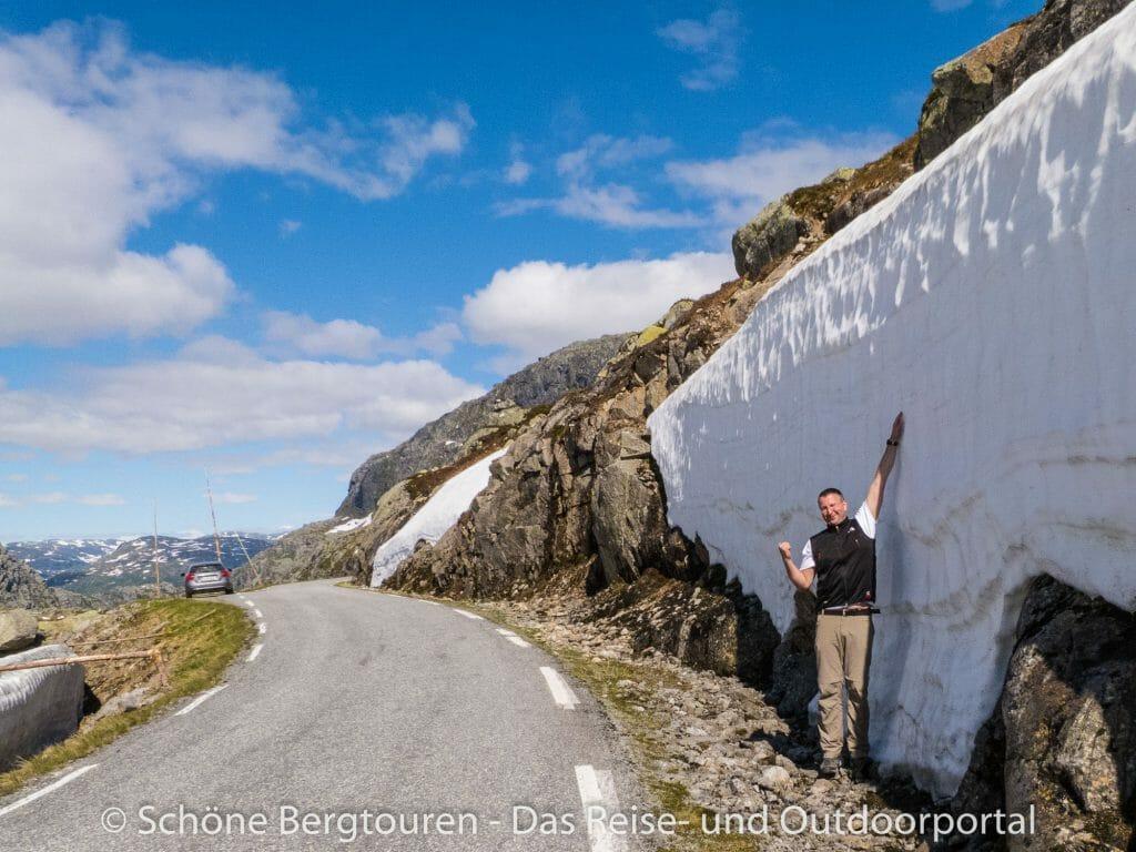 Fjord Norwegen - Schneewaende