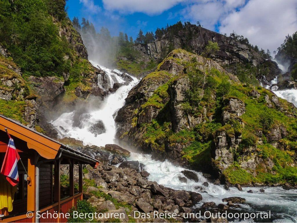 Fjord Norwegen - Zwillingswasserfall Latefoss