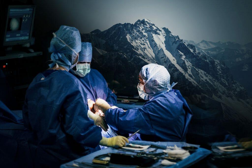 Bergwelten - Hochleistungschirurgie im Schiparadies