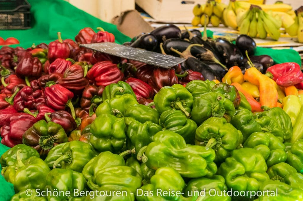 Korfu Stadt - Gemüse auf dem Wochenmarkt