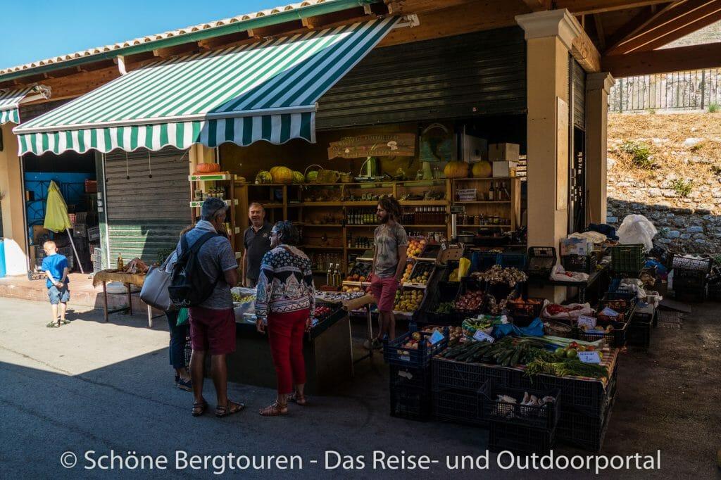 Korfu Stadt - Stand auf dem Wochenmarkt