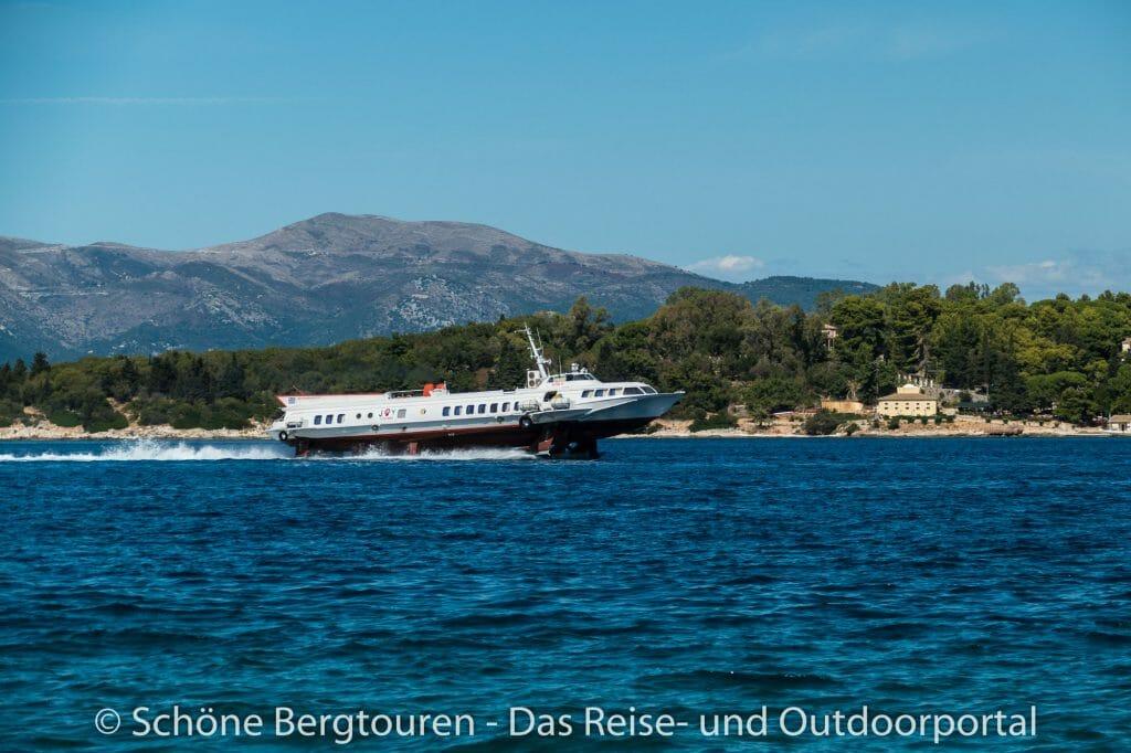 Korfu Stadt - Tragflaechenboot