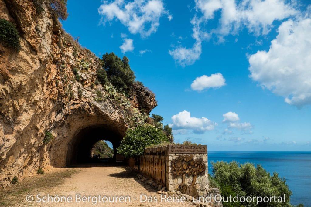 Naturpark Lo Zingaro - Tunnel