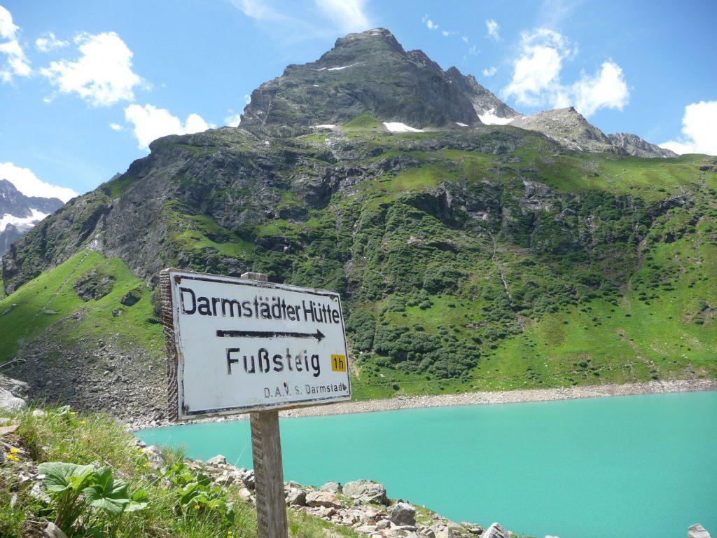 BergaufBergab - Der Fusssteig führt durch eine Bilderbuchlandschaft