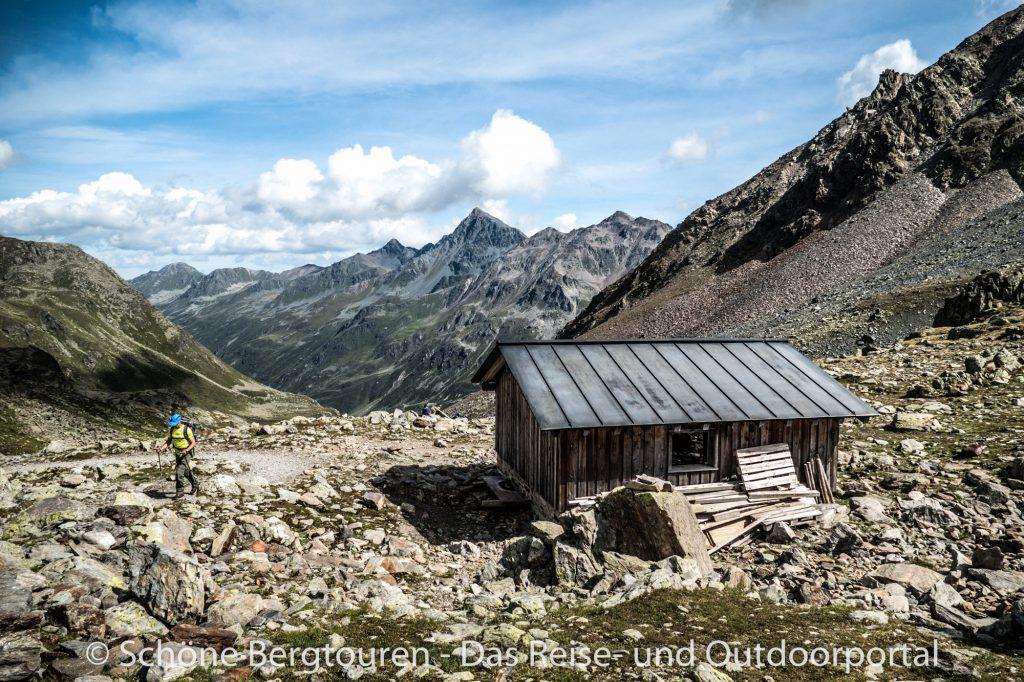 Via Valtellina - Schutzhuette am Scalettapass