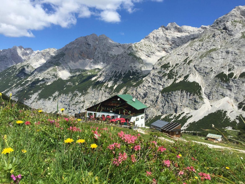 Oesterreich - Tirol - Karwendelgebirge-Pfeishuette