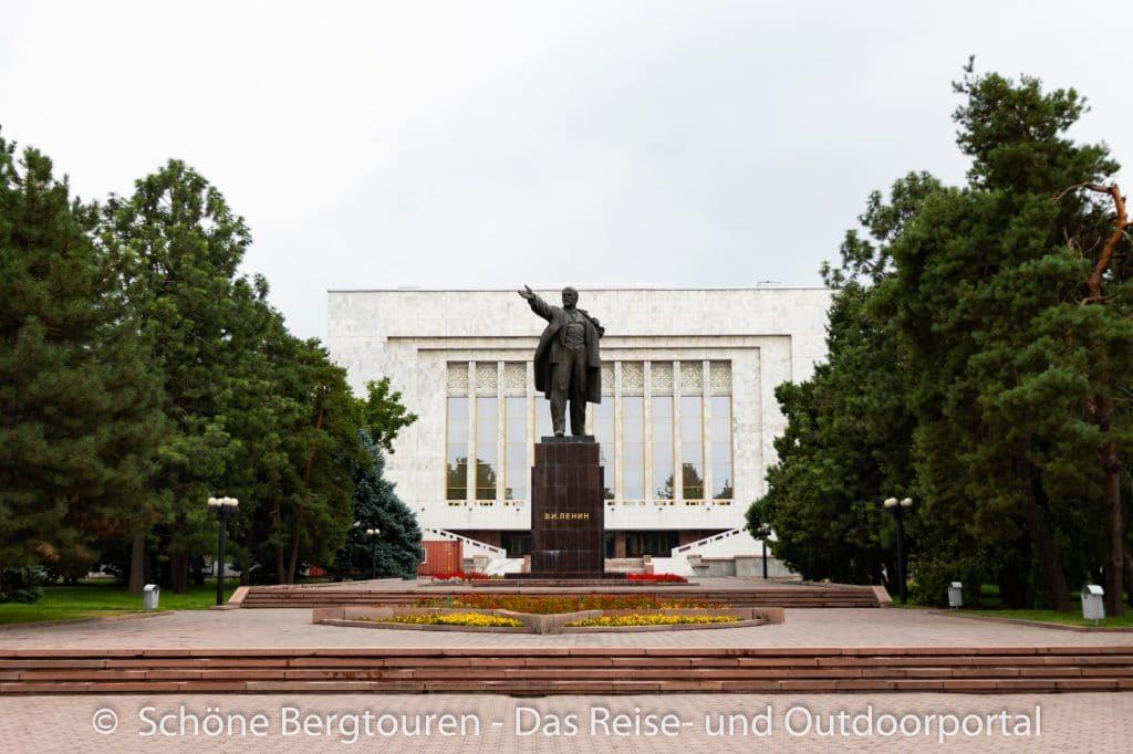 Khan Tengri Trekking - Lenindenkmal in Bischkek