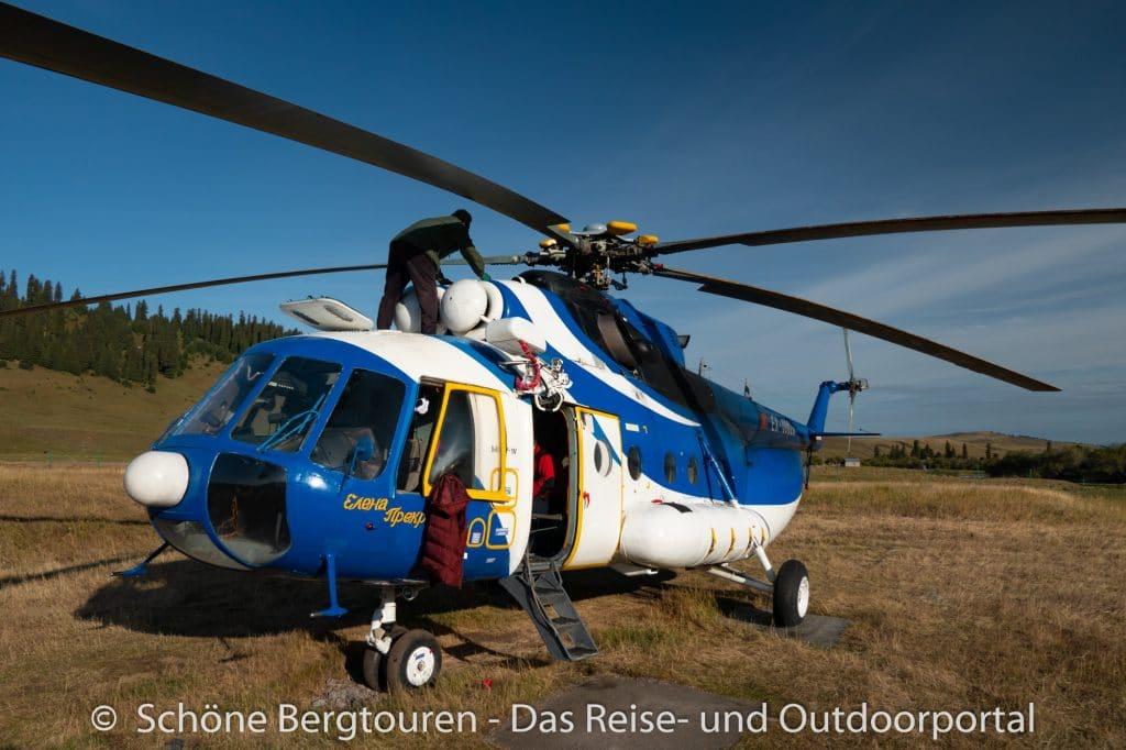 Khan Tengri Trekking - Check des Helikopters