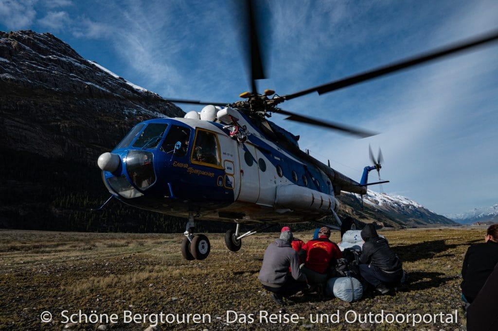 Khan Tengri Trekking - Helikopterlandung im Inyltschek Tal