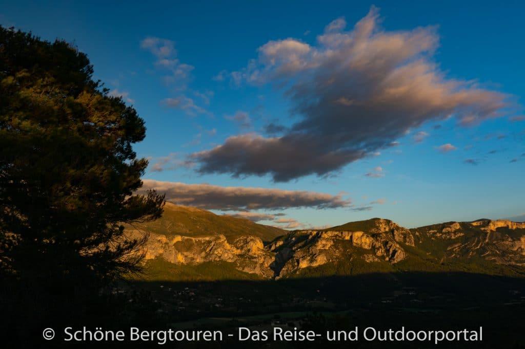 Suedfrankreich Roadtrip - Abendliche Wolkenspiele