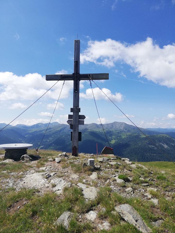 Nockrunde - Gipfelkreuz auf der Gaipahoehe