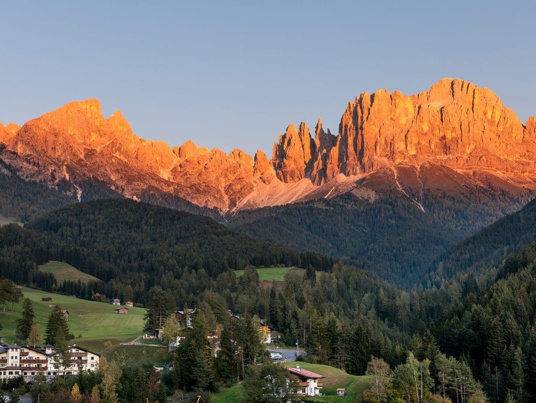 Bergwelten - Alpengluehen am Rosengarten