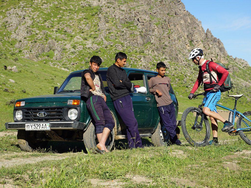 02 Unterwegs im Nuratau-Gebirge - Wegsuche