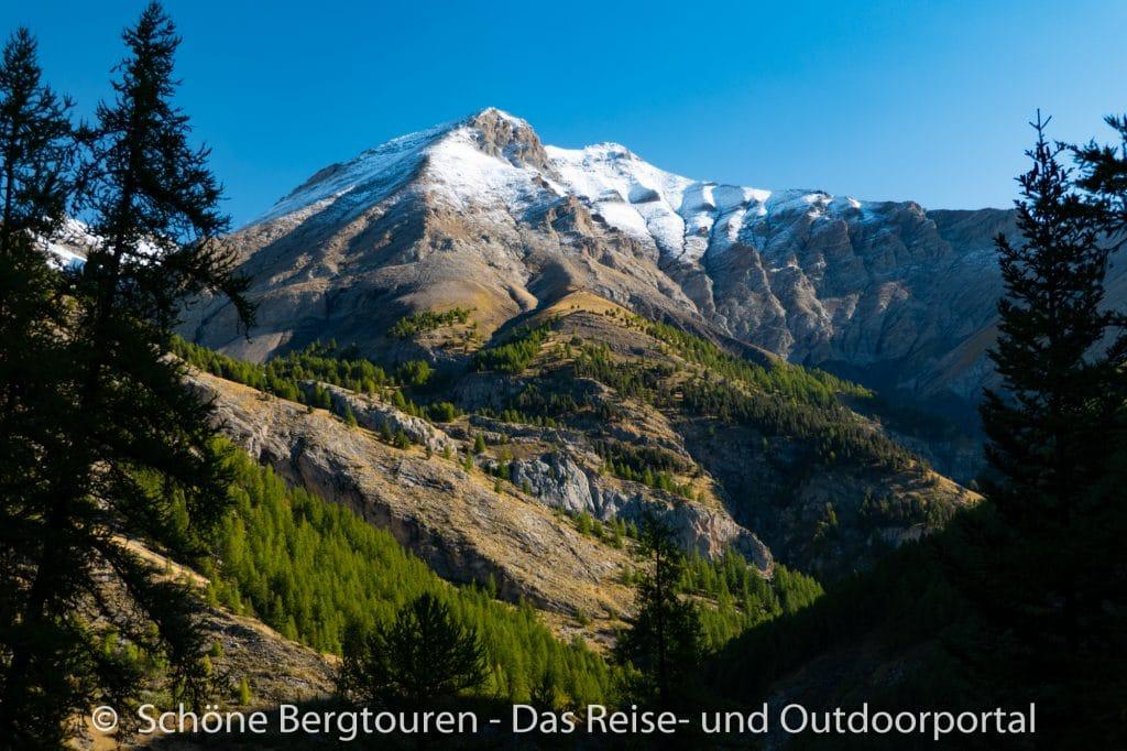 Nationalpark Mercantour - Frischer Schnee am Lac d Allos