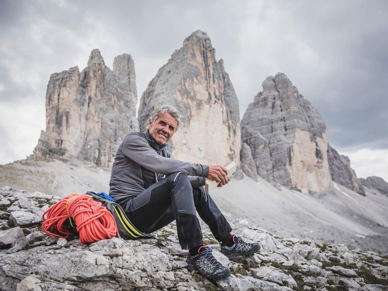 Bergwelten - Peter Habeler vor den Drei Zinnen