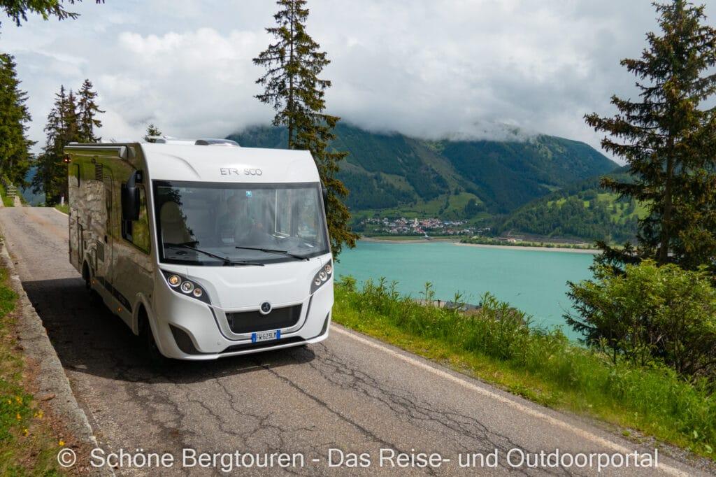 Wohnmobiltour Suedtirol - Etrusco Wohnmobil am Reschensee